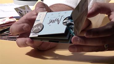 Marcel Warnt präsentiert ein Pocket Scrapbook.