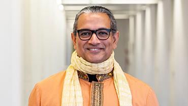 Portrait of Sanjay Sauldie, keynote speaker at Consumer Goods Digital Day